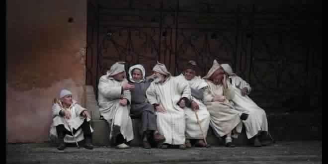 الجلابية المغربية… لباس اختص به الفقراء واستهوى الصلحاء