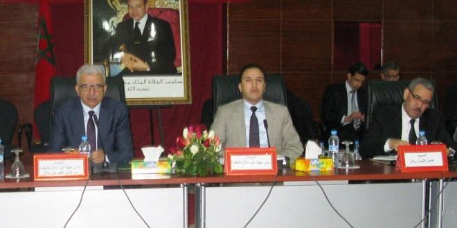 رئيس مجلس جهة بني ملال خنيفرة يوقع اتفاقية شراكة لإنجاز مشروع بناء مركز المغاربة المقيمين بالخارج ببني ملال