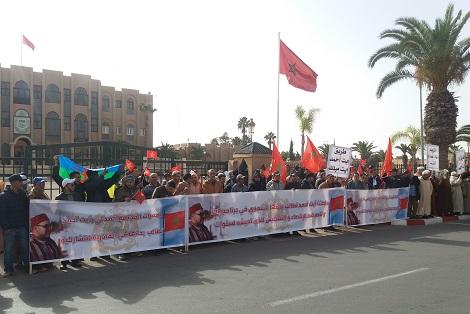 """<h> تزنيت : أوراش متوقفة تخرج """"آيت أحمد"""" للاحتجاج <h/>"""