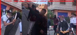 <h1> مراكش… ولاية امن مراكش ، عناصر الشرطة القضائية تتمكن من توقيف ثلاثة اشخاص للاشتباه في توركهن في قضية حيازة اسلحة بيضاء وتهديد سلامة الاشخاص والممتلكات …<h1/>