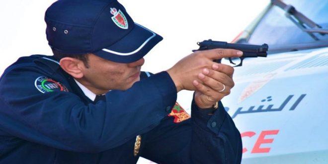 <h1>     سلا الجديدة : موظف شرطة يشهر سلاحه دون اللجوء لاستعماله ، لإيقاف شخص عرض سلامة عناصر الشرطة والمواطنين الى الخطر ….    <h1/>
